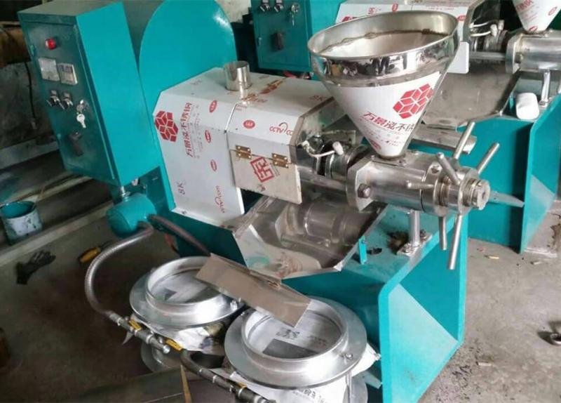 Presse à huile à vis automatique