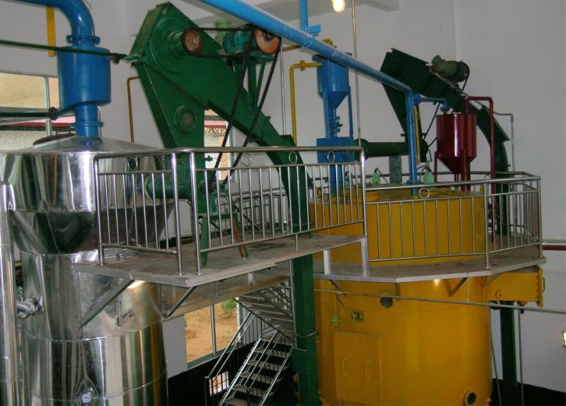 Système d'extraction d'huile comestible par solvant